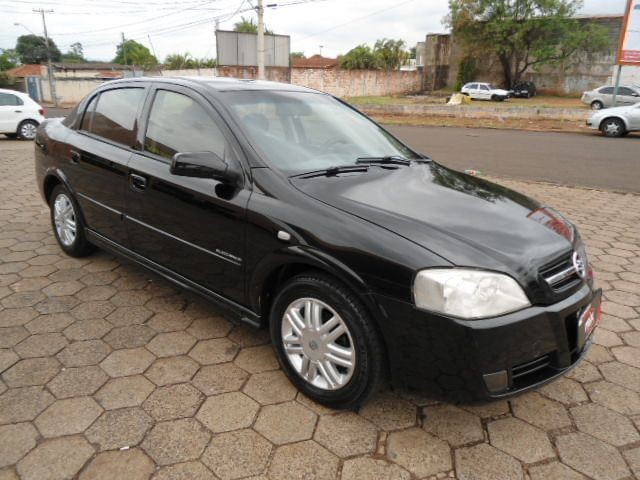 Astra Sedan 2.0 8v Elegance Automatico