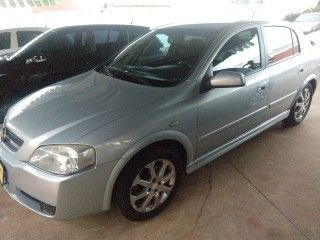 Astra Hatch 2.0 MPFI ADVANTAGE 8V FLEX 4P MANUAL