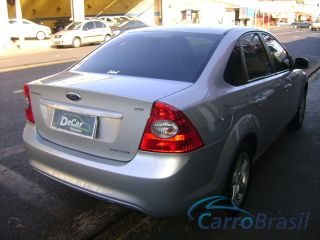 Decar Ve�culos | Focus Sedan 2.0 GLX  09/09 - foto 02
