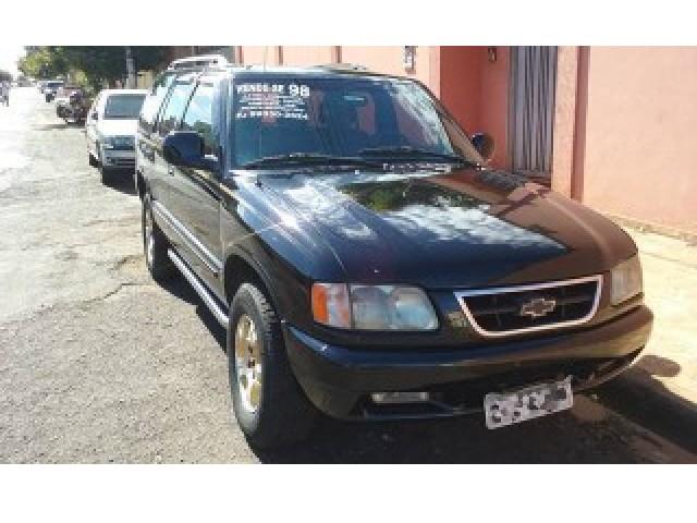 Veículo: Chevrolet (GM) - Blazer - Executive DLX 4.3 V6 Cilindros 4P.  em Ribeirão Preto