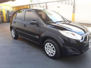 Veículo: Ford - Fiesta Hatch - 1.6 Classp 4P. Completo em Ribeirão Preto