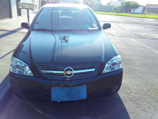 Veículo: Chevrolet (GM) - Astra Hatch - Advantage 2.0  em Ribeirão Preto