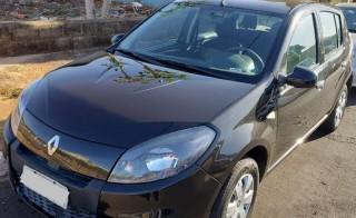 Veículo: Renault - Sandero - Expression 1.0 4P.  em Ribeirão Preto