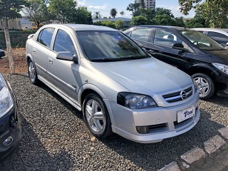 Veículo: Chevrolet (GM) - Astra Hatch - 2.0 GSI 4P MANUAL em Orlândia