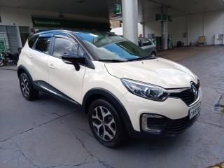 Veículo: Renault - Captur - Intense 1.6 em Ribeirão Preto