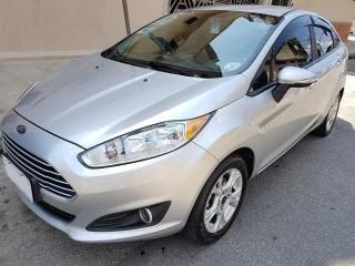 Veículo: Ford - Fiesta Sedan - 1.6 SE SEDAN 16V FLEX 4P MANUAL em Ribeirão Preto