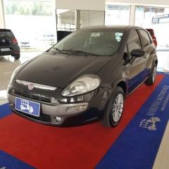 Veículo: Fiat - Punto - ESSENCE 1.6 16V em Franca