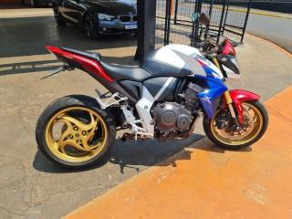 Veículo: Honda - CB - Cb 1000 r em Ribeirão Preto