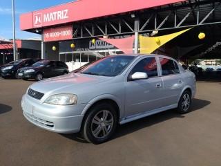 Veículo: Chevrolet (GM) - Astra Hatch - 1.8 MPFI GL SEDAN 8V GASOLINA 4P MANUAL em Ribeirão Preto