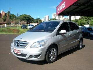 Veículo: Mercedes-Benz - B 180 - 1.7 COMFORT 8V GASOLINA 4P AUTOMÁTICO em Ribeirão Preto