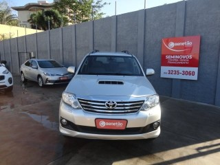 Veículo: Toyota - Hilux - SW4 3.0 SRV 4X4 16V TURBO INTERCOOLER DIESEL 4P AUTOMÁTICO em Ribeirão Preto