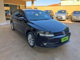 Veículo: Volkswagen - Jetta - 2.0 COMFORTLINE FLEX 4P TIPTRONIC em Ribeirão Preto