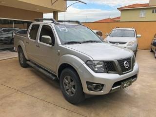 Veículo: Nissan - Frontier - 2.5 SV ATTACK 10 ANOS 4X4 CD TURBO ELETRONIC DIESEL 4P MANUAL em Ribeirão Preto