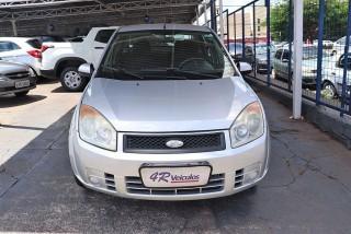 Veículo: Ford - Fiesta Hatch - 1.6 MPI SEDAN 8V em Ribeirão Preto