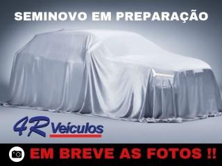 Veículo: Renault - Sandero - 2.0 RS 16V em Ribeirão Preto