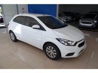 Veículo: Chevrolet (GM) - Onix - 1.4 LT em Ribeirão Preto