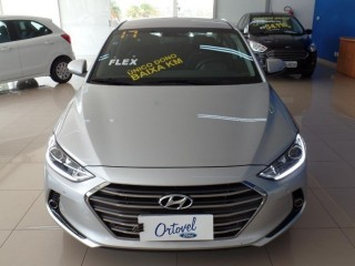 Veículo: Hyundai - Elantra - 2.0 em Ribeirão Preto