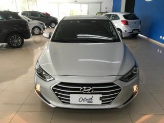 Veículo: Hyundai - Elantra - AUT 2.0 em Ribeirão Preto