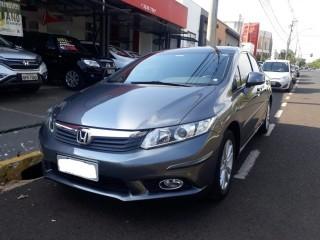 Veículo: Honda - Civic - 1.8 LXS 16V FLEX 4P MANUAL em Ribeirão Preto