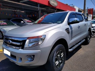 Veículo: Ford - Ranger - 2.5 XLT 4X2 CD 16V FLEX 4P MANUAL em Ribeirão Preto