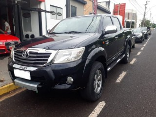 Veículo: Toyota - Hilux - 2.7 SR 4X2 CD 16V FLEX 4P AUTOMÁTICO em Ribeirão Preto