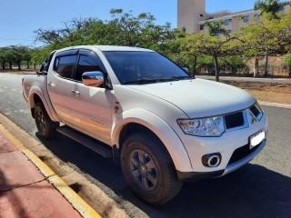 Veículo: Mitsubishi - L-200 - 3.5 HPE 4X4 CD V6 24V FLEX 4P AUTOMÁTICO em Ribeirão Preto