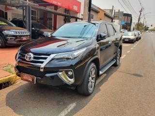Veículo: Toyota - Hilux - 2.8 SRX 4X4 16V TURBO INTERCOOLER DIESEL 4P AUTOMÁTICO em Ribeirão Preto