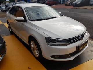 Veículo: Volkswagen - Jetta - Highline 2.0 TSI TipTronic em Ribeirão Preto