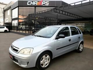 Veículo: Chevrolet (GM) - Corsa Hatch -  em Ribeirão Preto