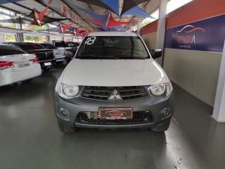 Veículo: Mitsubishi - L-200 - 3.2 GL 4X4 CD 16V TURBO INTERCOLER em Cravinhos