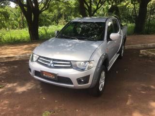 Veículo: Mitsubishi - L-200 - Triton 3.2 Diesel 4x4  em Ribeirão Preto