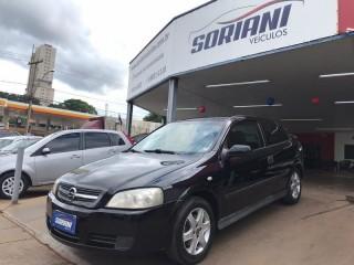 Veículo: Chevrolet (GM) - Astra Hatch -  em Ribeirão Preto