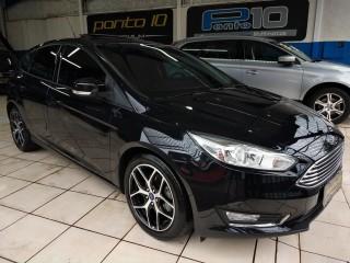 Veículo: Ford - Focus - Titanium 2.0 Flex Automático Multimídia Couro Teto Solar Apenas 37.000km em Ribeirão Preto