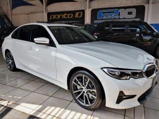 Veículo: BMW - 330 - i Sport 2.0 Turbo Teto Solar Único Dono Novíssima em Ribeirão Preto