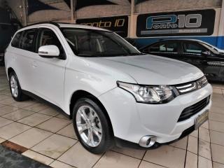 Veículo: Mitsubishi - Outlander - 2.0 Automática Teto Solar Multimidia Rodas 18