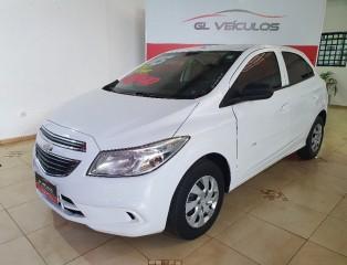 Veículo: Chevrolet (GM) - Onix - LT em Ribeirão Preto