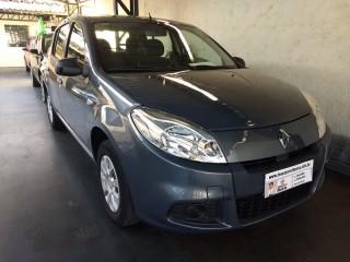 Veículo: Renault - Sandero -  em Ribeirão Preto