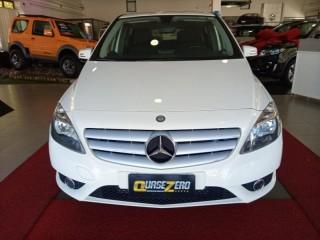 Veículo: Mercedes-Benz - B 200 -  em Ribeirão Preto