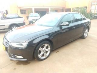 Veículo: Audi - A4 - 2.0 TFSI AMBIENTE 183CV GASOLINA 4P MULTITRONIC em Bebedouro