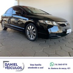 Veículo: Honda - Civic -  em Batatais