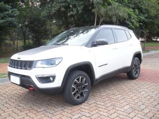 Veículo: Jeep - Compass - Trailhawk 2.0 em Ribeirão Preto