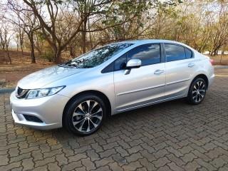 Veículo: Honda - Civic - Sedan LXR 2.0 em Ribeirão Preto