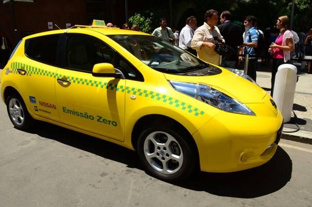 taxi eletrico_leaf