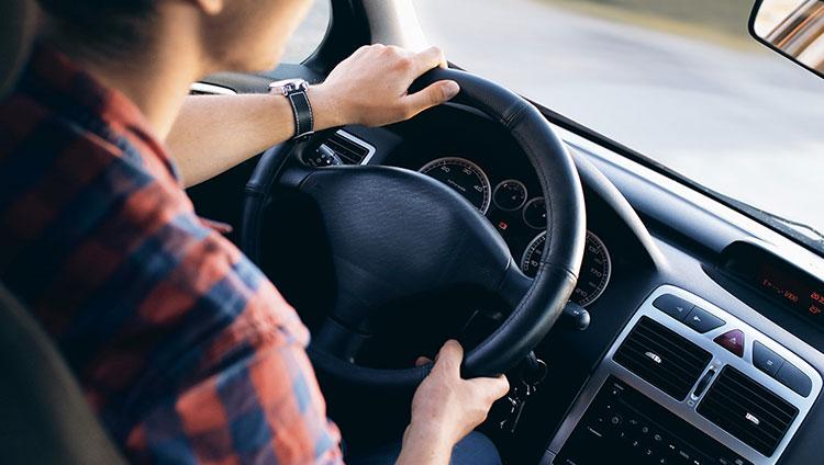 Confira em nosso estoque todos os veículos com direção hidráulica ou elétrica.