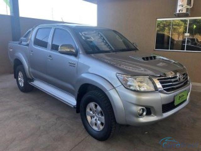 Mais detalhes do Toyota Hilux 3.0 SRV 4X4 CD 16V TURBO INTERCOOLER DIESEL 4P AUTOMÁTICO Diesel