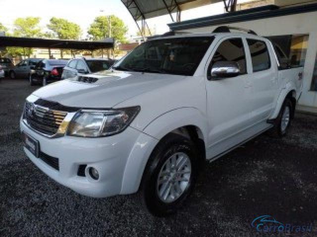 Mais detalhes do Toyota Hilux  Diesel