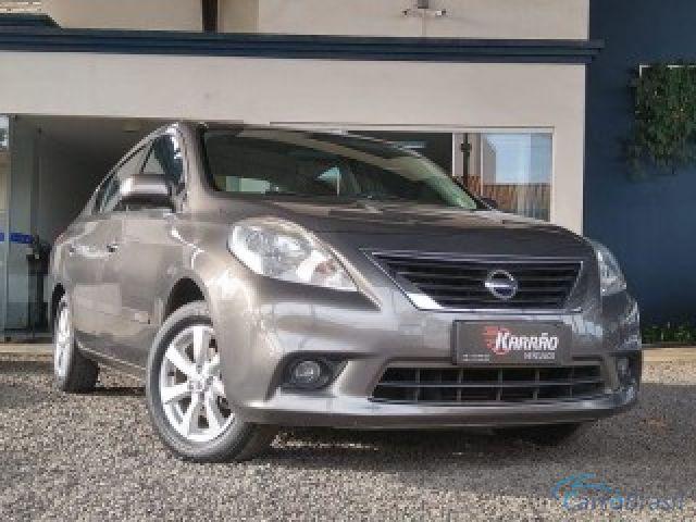 Mais detalhes do Nissan Versa  Flex