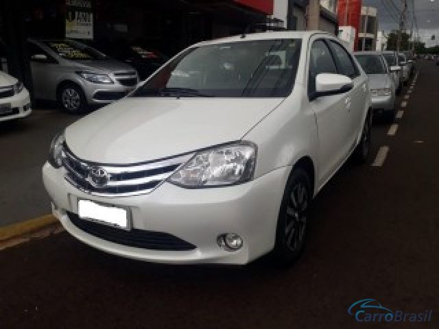 Mais detalhes do Toyota Etios 1.5 PLATINUM SEDAN 16V FLEX 4P MANUAL