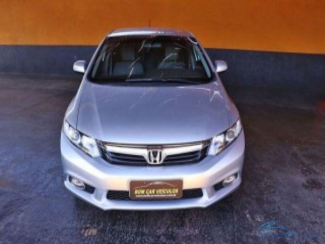 Mais detalhes do Honda Civic 2.0 LXR 16V Flex