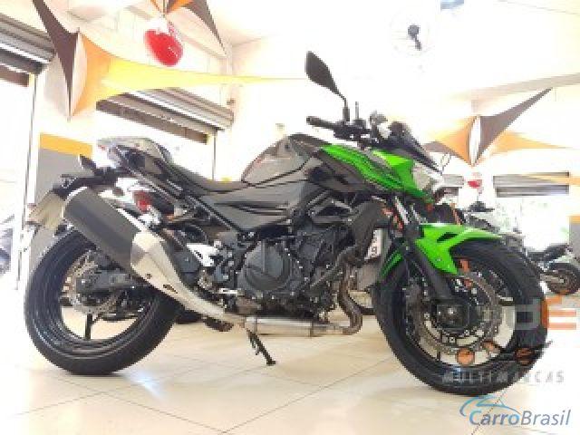 Mais detalhes do Kawasaki Z 300 400 Gasolina